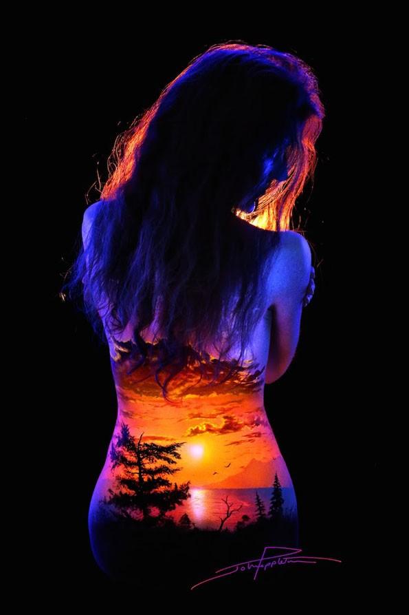 body-paint-art-black-light-11 (1)